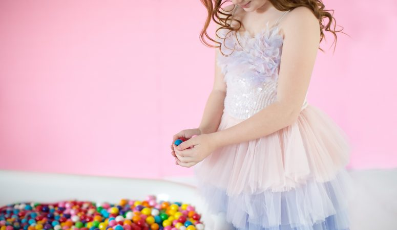 Bubblegum & roller skates | Imagination Minis | Greensboro NC Child Photographer